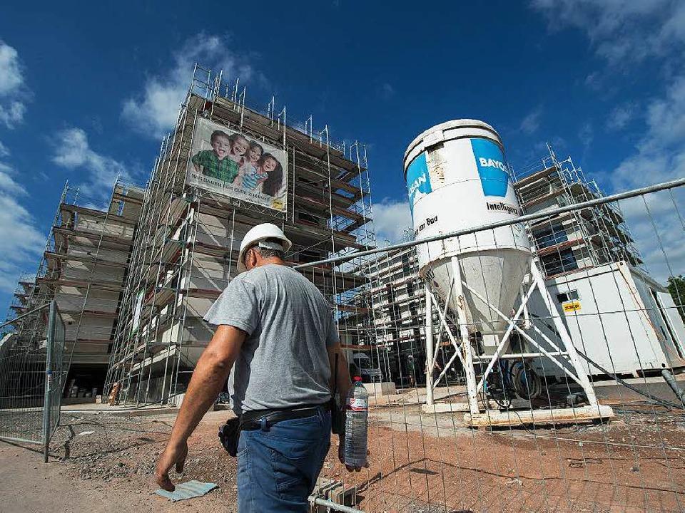 Die Bundesregierung will im großen Sti...t  man die, wenn es kein Bauland gibt?  | Foto: dpa