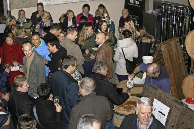 Jungweinprobe sorgt für Druggete in der Bezirkskellerei