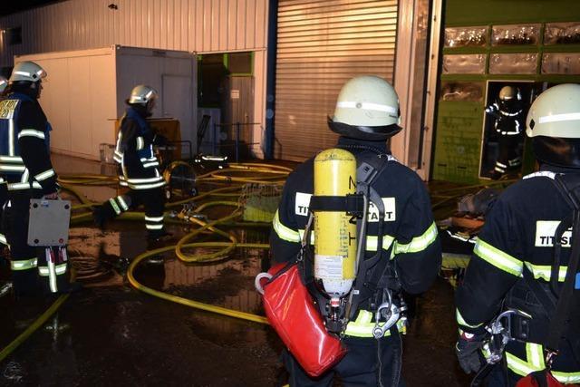 Brand in Halle von Mutter Solutions – hoher Sachschaden