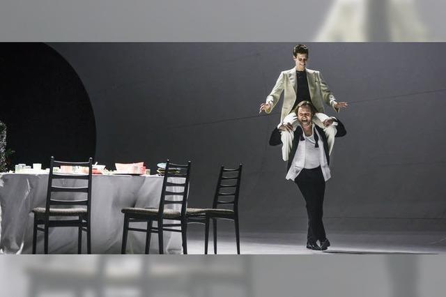 Hamlet als zeitgemäßes Familiendrama und Wirtschaftskrimi