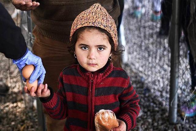 EU will Flüchtlingen in Griechenland helfen