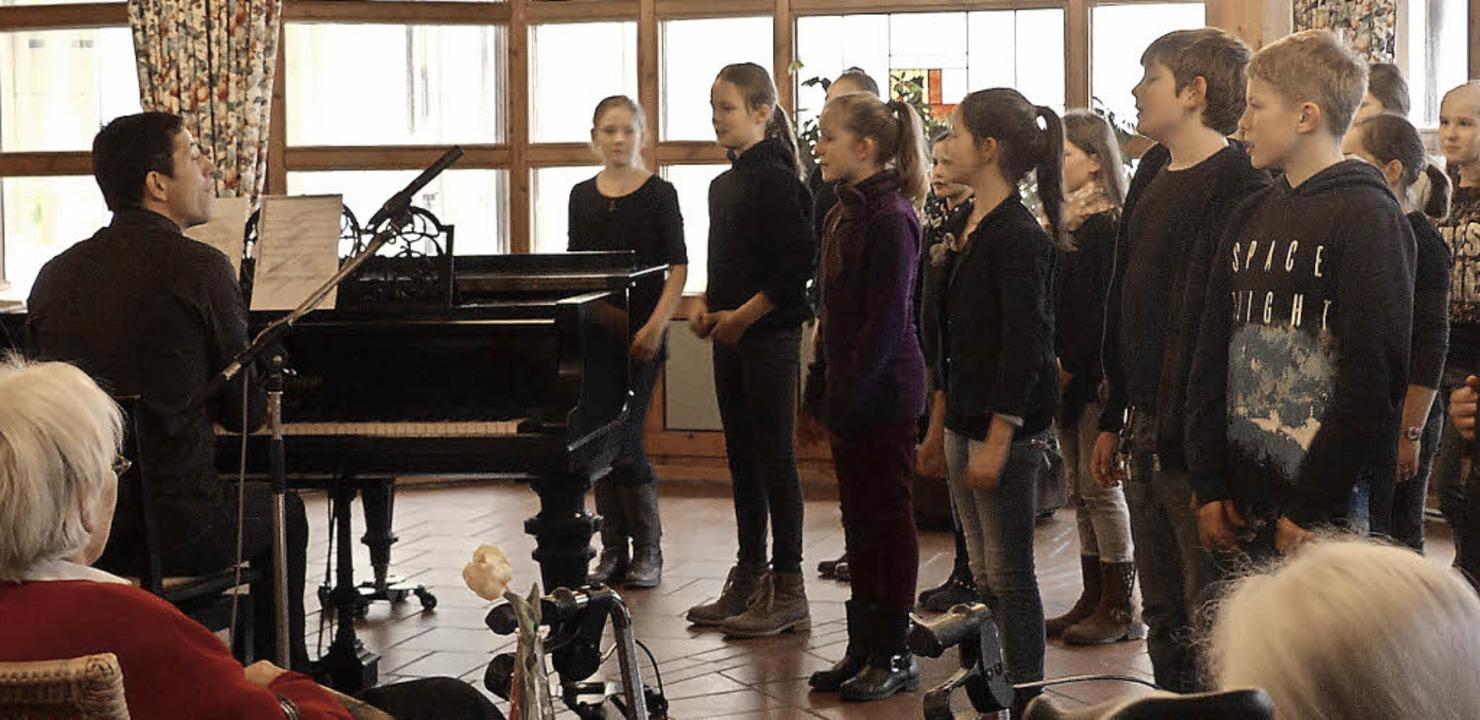 Die Klasse 5d der Realschule am Giersb...ert im Kirchzartener Oskar-Saier-Haus   | Foto: RAG