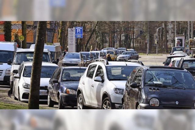 Trotz neuem, teurem Parkhaus gibt's weiterhin Parkchaos an der Wirthstraße