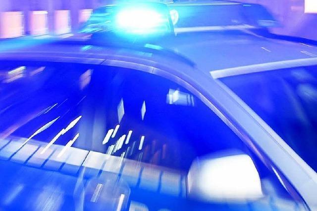 Betrunkener steuert Auto in die Rench