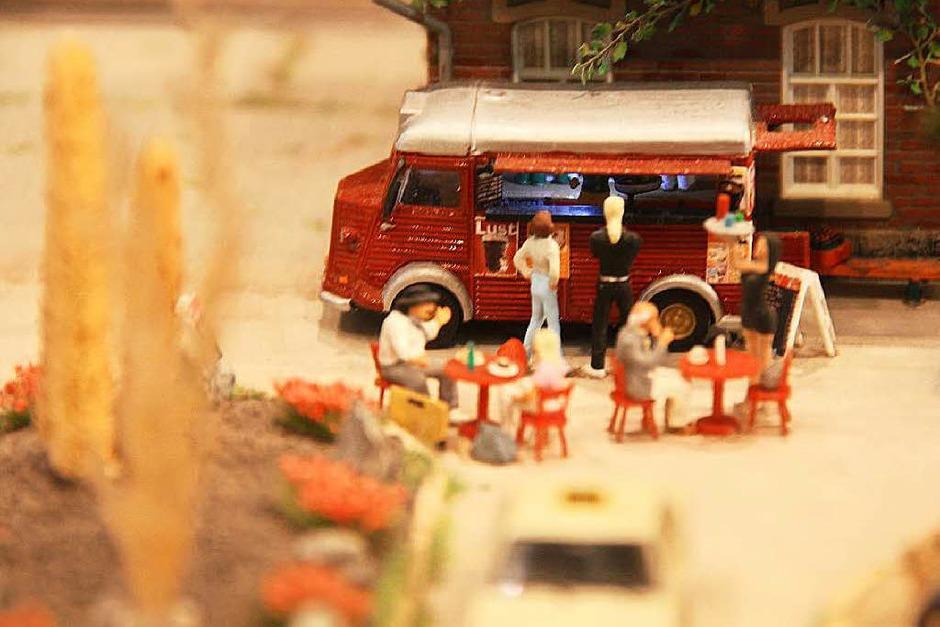 Eine eigene kleine Welt präsentierten die Modellbahnfreunde Oberes Donautal mit der Modellbahnausstellung im Kurhaus. (Foto: Hans Jürgen Kugler)