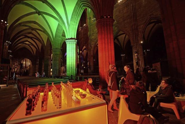 Warum blieben die Pforten des Freiburger Münsters über Nacht geöffnet?