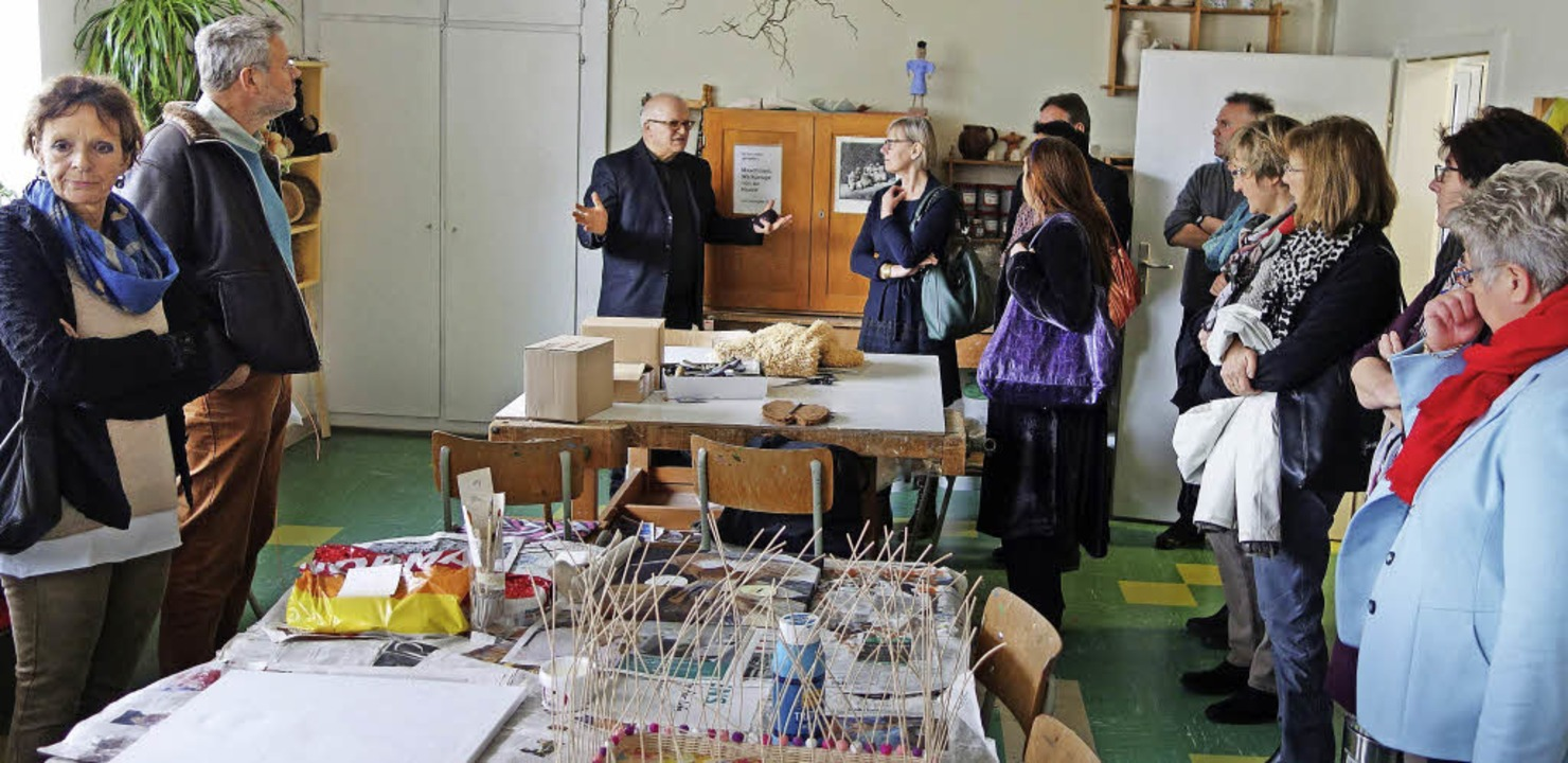 Akram Habbaba führte ins Atelier, in d...ka-Scheib kunsttherapeutisch arbeitet.  | Foto: Andreas Mahler