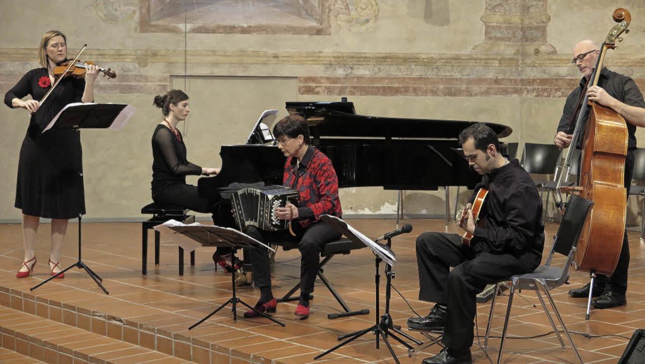 "Das Stuttgarter Ensemble ""Tango ...zert in der Müllheimer Martinskirche.   | Foto: Dorothee Philipp"