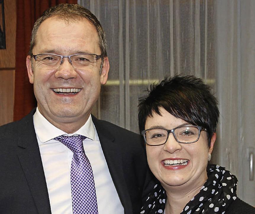 Thomas Vogelbacher (links) und Annette...itgieder der Stadtmusik geehrt worden.  | Foto: Eva Korinth