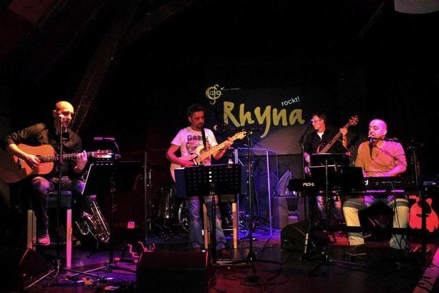 Rhyna rockte das Café Vekehrt
