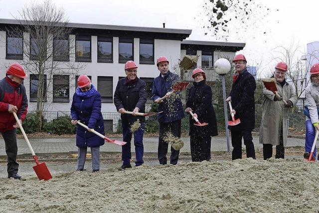 Spatenstich für neue Seniorenwohnungen in Weingarten