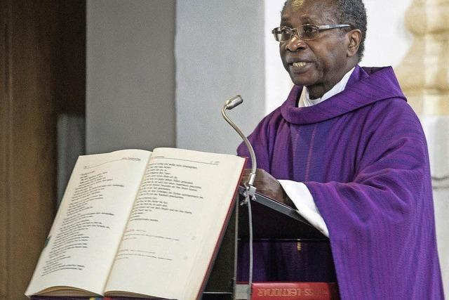 Pfarrer Ndjimbi-Tshiende gibt nach Morddrohungen auf