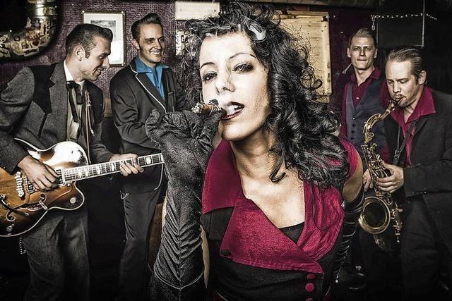 Swing, Blues und Rockabilly präsentieren Nina & The Hotspots in der Wodanhalle