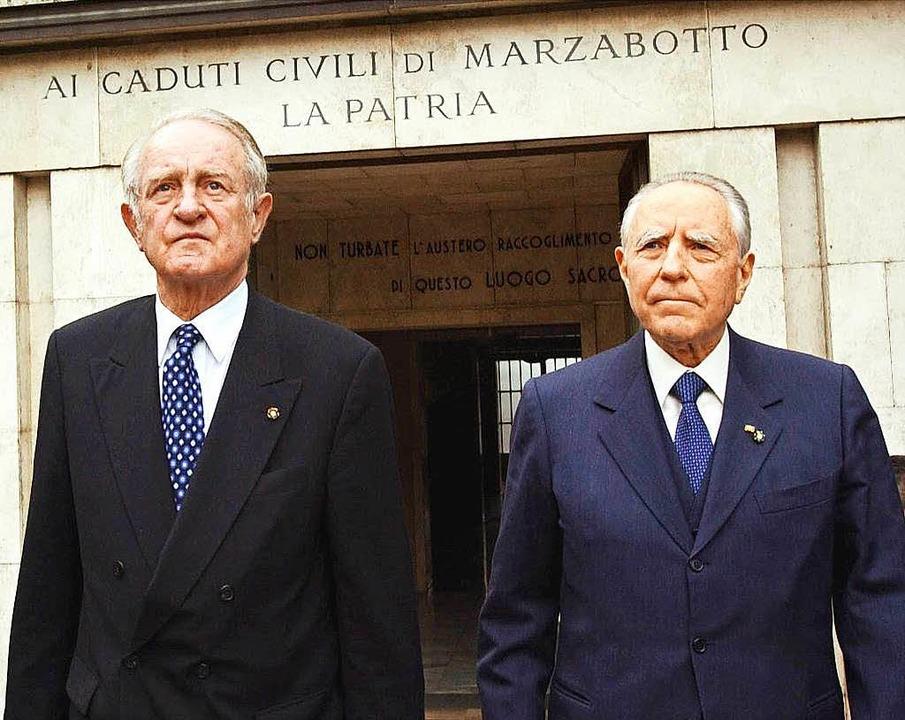 Der damalige Bundespräsident Johannes ...Staatspräsidenten Carlo Azeglio Ciampi  | Foto: dpa
