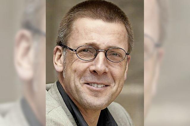 Niko Paech liest aus seinem Buch: Befreiung vom Überfluss im Kloster St. Ulrich