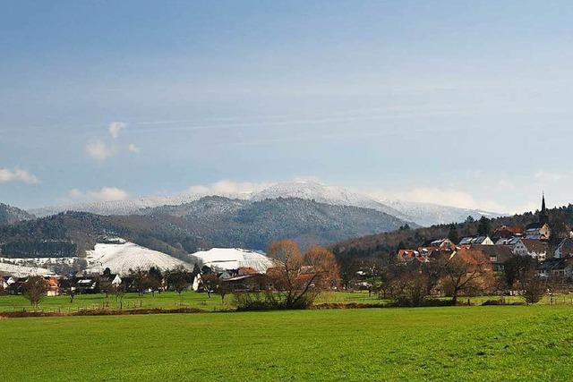 Leserfoto: Winter auf dem Kandel, Frühling im Tal