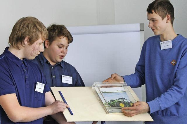 Schüler präsentieren ihre Modelle