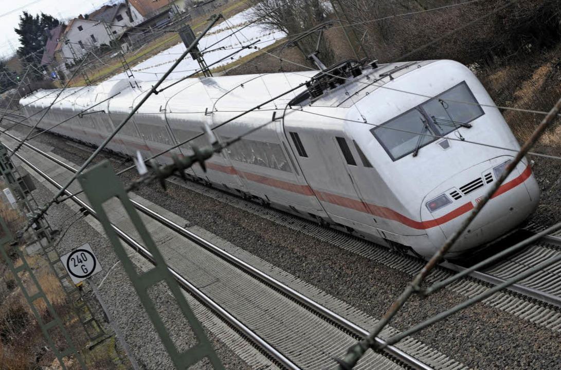 Die Rheintalbahn bleibt weiter in der Diskussion.  | Foto: Dpa