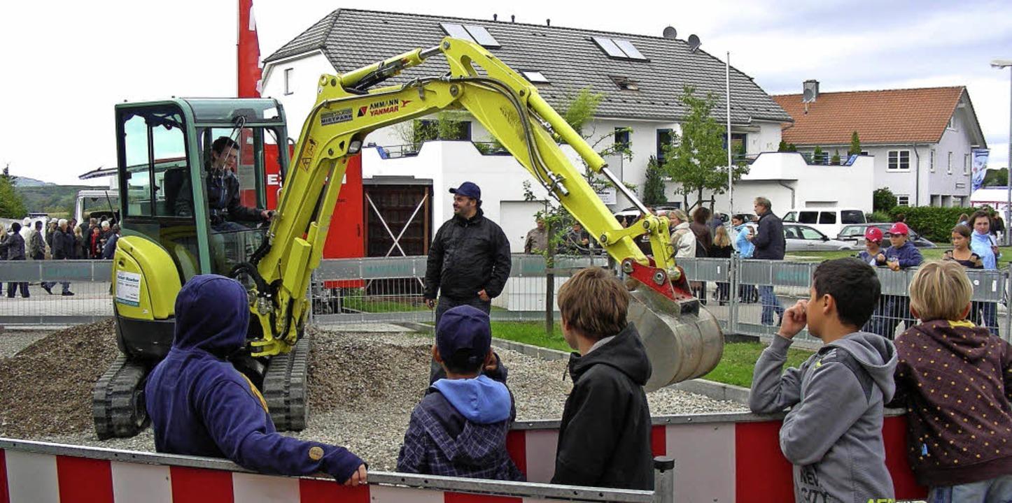 Baggern für jedermann war bei der Gott...er Gewerbeschau 2011 eine Attraktion.   | Foto: Mario Schöneberg