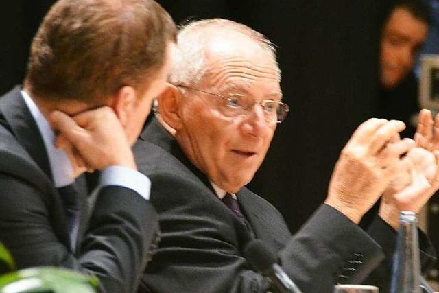 Schäuble rechnet bei Wahlkampfauftritt mit Grün-Rot ab