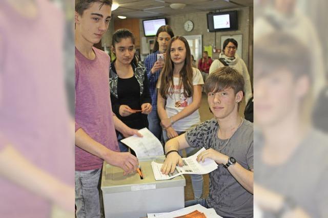Schüler zeigen Interesse an der Wahl