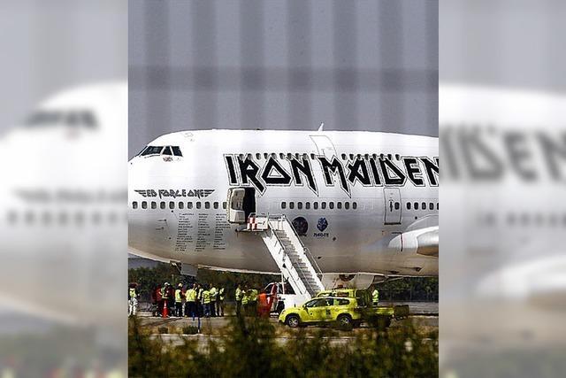 Kultflugzeug von Iron Maiden beschädigt