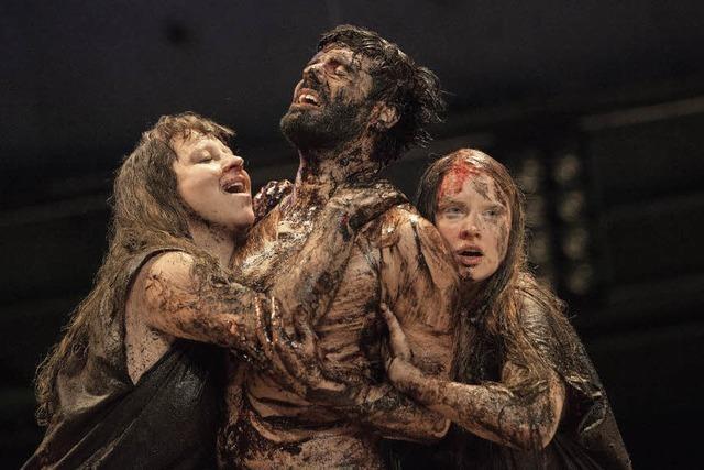 Robert Borgmann inszeniert die Uraufführung von Euripides'