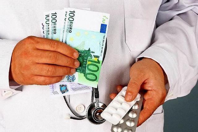 Warum bekommen Ärzte Geld für wertlose Pharma-Studien?