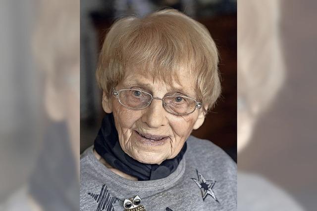 Ingeborg Becker aus Freiburg wird 100 - und ist noch immer ziemlich fit