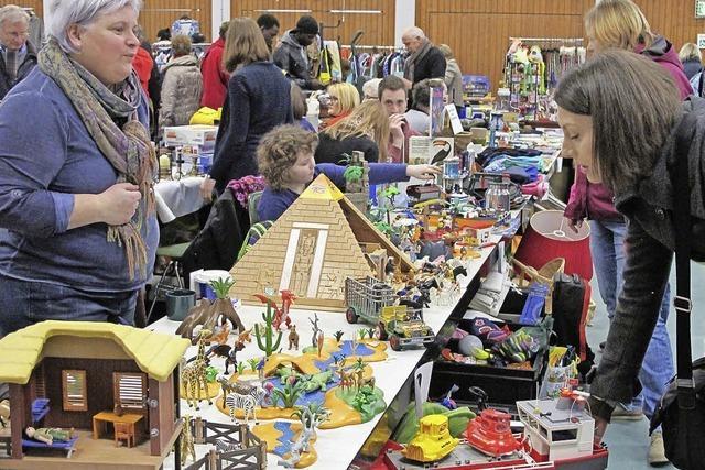 Hochbetrieb beim Flohmarkt des Sängerbunds