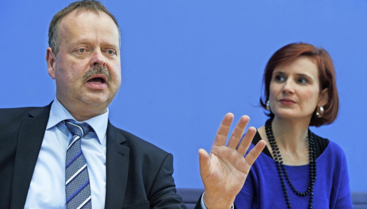 Wulf Gallert, Spitzenkandidat der Link...d die Parteivorsitzende Katja Kipping   | Foto: dpa