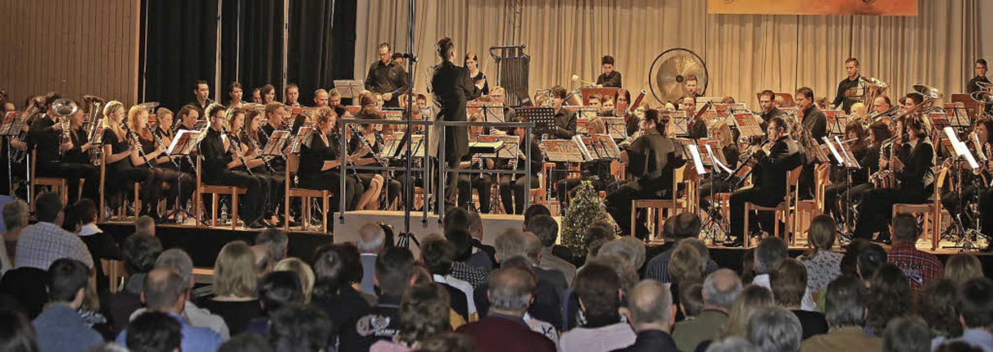 Mehr als 100 Musikerinnen und Musiker ... in Mahlberg gemeinsam auf der Bühne.   | Foto: Sandra Decoux-Kone