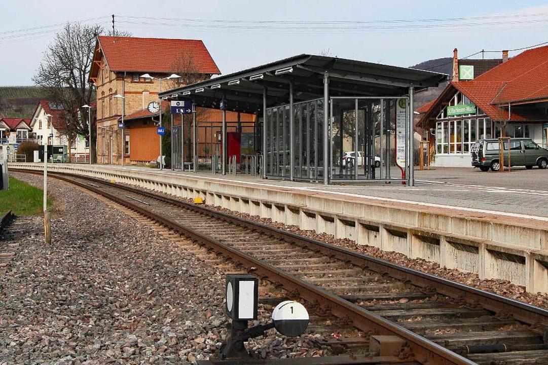 Der Bahnhof in Oberrotweil soll zu einem Kreuzungsbahnhof umgebaut werden.  | Foto: Herbert Trogus
