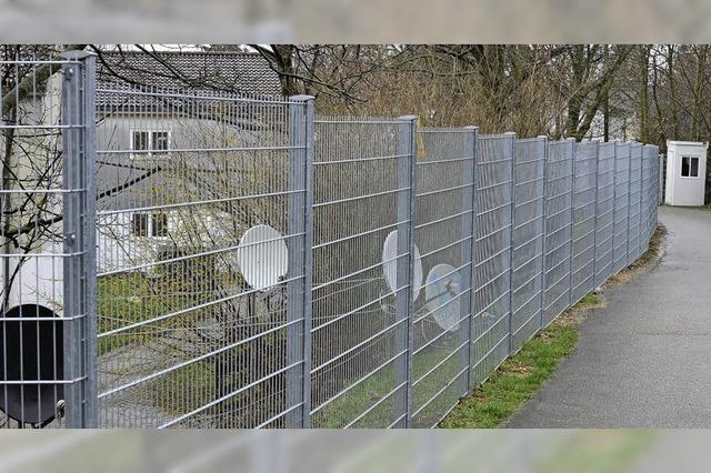Eingangskontrollen im Flüchtlingsheim an der Bissierstraße zeigen Wirkung