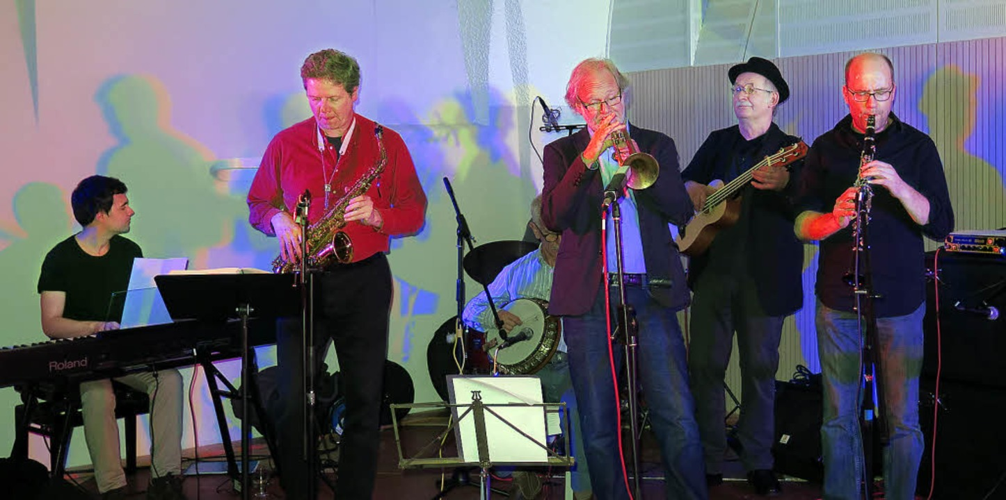 Verlässliche Größe: Die Band Jazz Conn...eininger (Trompete) war wieder dabei.   | Foto: Siemann