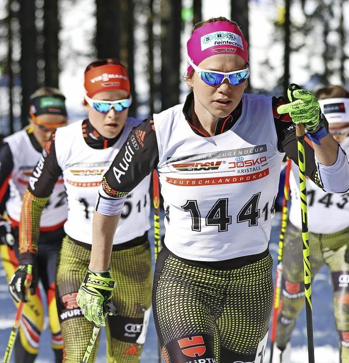 Sandra Ringwald  läuft vorneweg.   | Foto: Hahne