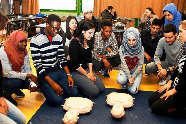 Lahr: Alle Mauerfeld-Schüler werden in Erster Hilfe unterwiesen