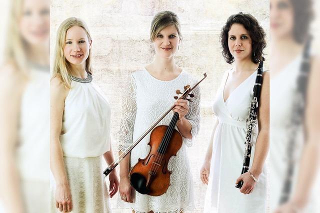 Trio Luz y Sombra spielt im Café Verkehrt in Oberhof