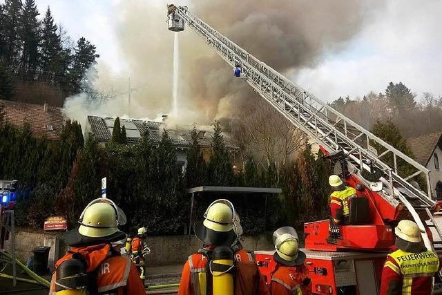 Brand in Einfamilienhaus führt zu Großeinsatz am Hochrhein