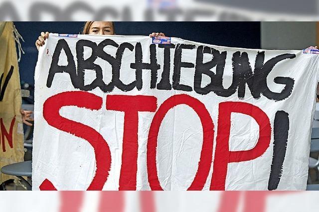 Frau von Lörrach nach Albanien abgeschoben - Freiburger Forum protestiert