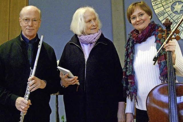 Mit Christoph Haarmann (Querflöte), Helle Trede (Sprecherin) und Ingrid Haarmann (Violoncello) in Hinterzarten