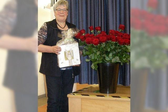 40 Rosen für 40 Jahre an der Spitze des Vereins