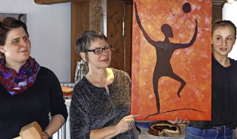 Pfarrerin Martina Weber-Ernst, Malther...n jedes Bild unters Volk (von links).   | Foto: klaus brust