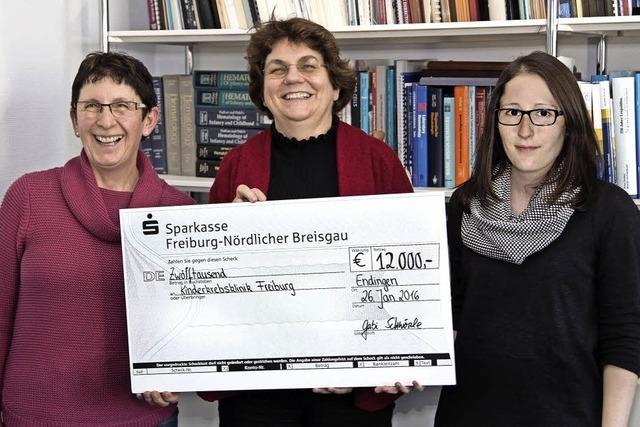 12 000 Euro Spende für Kinderklinik