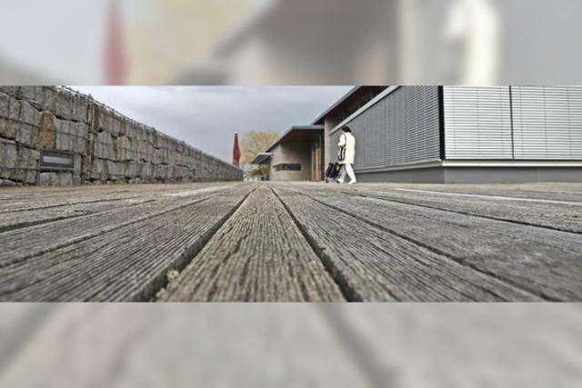 Holzdecks am Kultur- und Bürgerhaus müssen saniert werden