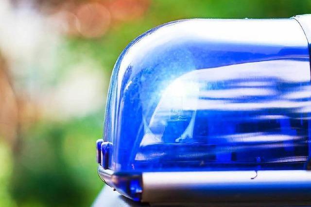 Frontalkollision zwischen zwei Autos im Stop-and-Go-Verkehr beim Silbersee