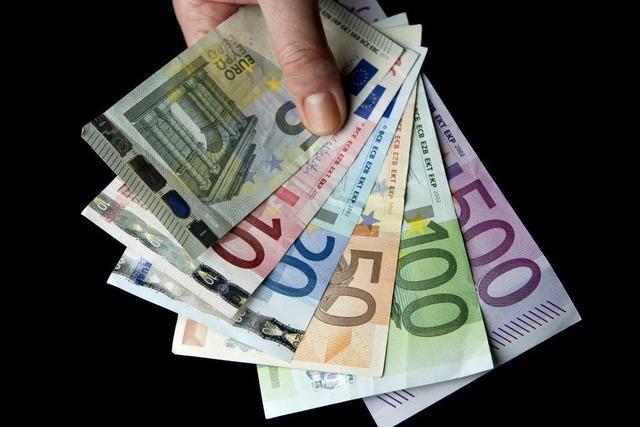 Betrügerin hat bei Festnahme in Lahr 240 000 Euro in ihrer Diebesschürze