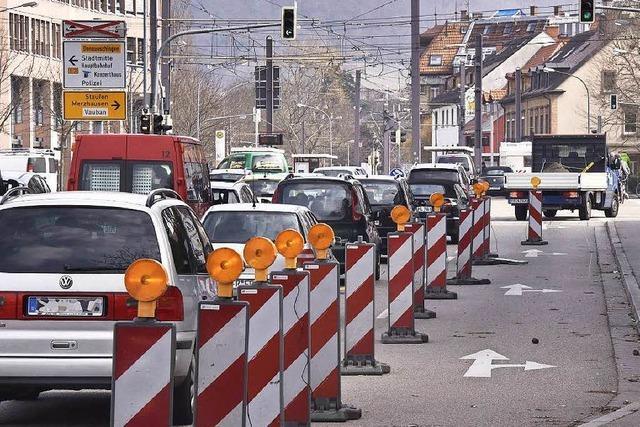 Auf der Basler Straße bleibt es beim provozierten Stau