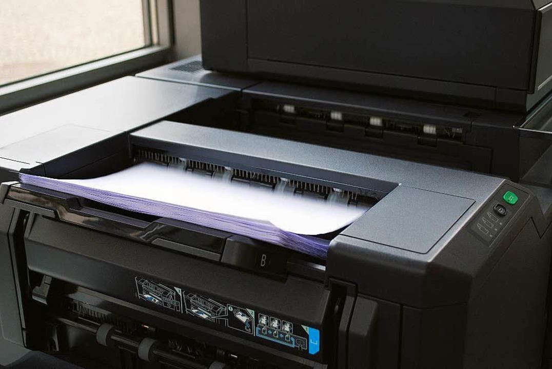 Der Kopierer läuft heiß, bis alle 448 Blatt durchgelaufen sind.  | Foto: Sylvia-Karina Jahn