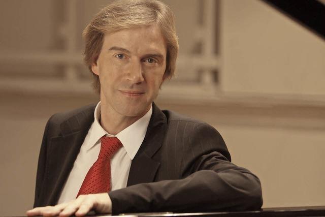 Burkard Schliessmann spielt in der Christkönigskirche in Titisee